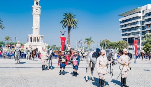 İZMİR'DE 99 YILDIR SÖNMEYEN ATEŞ