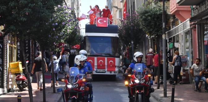 ŞİŞLİ'DE COŞKULU KUTLAMA