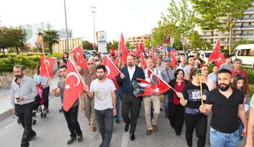 """ÇİĞLİ'DE SAAT """"19.19'DA"""" BAŞLAYAN YÜRÜYÜŞ"""