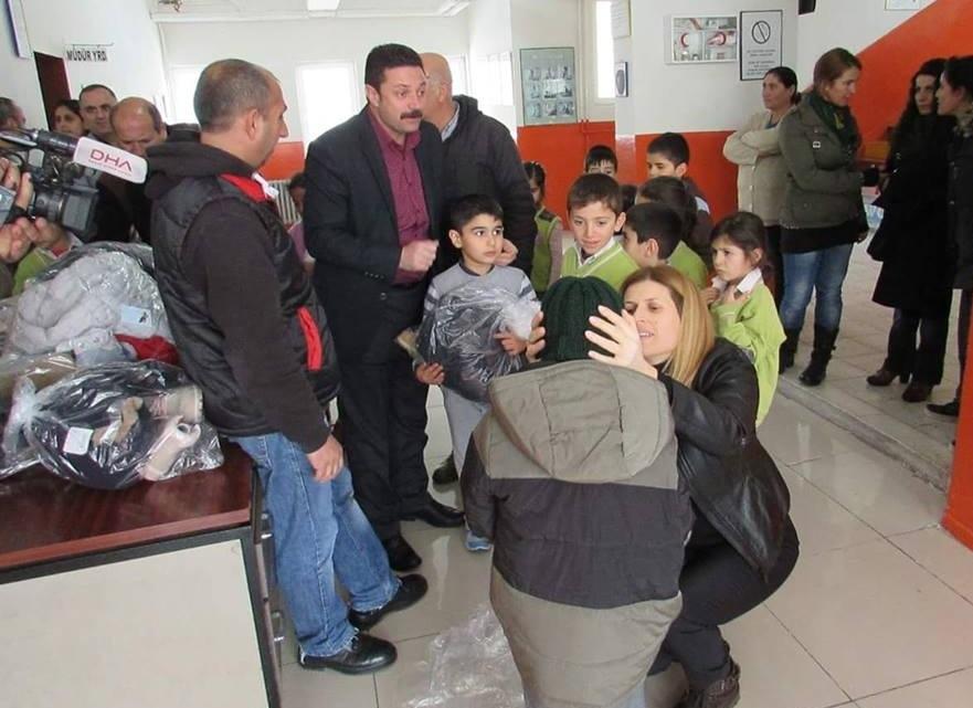 EMEL TIĞLI'DAN ŞEVKAT ELİ