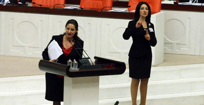 ŞAFAK PAVEY TBMM'DE DERS VERMİŞTİ